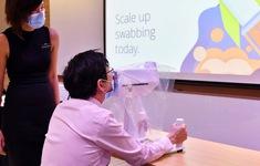Singapore chế tạo robot lấy mẫu xét nghiệm COVID-19 nhanh và an toàn