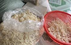 Làm rõ nguồn gốc hơn 345.000 bao cao su đã qua sử dụng được tái chế