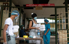 Số ca mắc COVID-19 mới tăng mạnh, Myanmar lo ngại các cơ sở cách ly bị quá tải