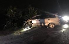 Ô tô mất lái đâm 4 xe máy ngược chiều làm 9 người bị thương