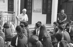 """Những ngôi trường đặc biệt nơi học sinh được """"sinh ra lần nữa"""""""