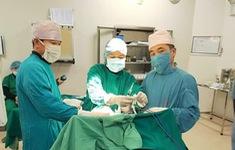 Cắt u cho bệnh nhân 90 mắc ung thư tuyến giáp