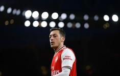Arsenal đạt thỏa thuận chấm dứt hợp đồng với Mesut Ozil