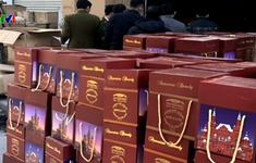 Bắt giữ vụ sang chiết rượu lớn không rõ nguồn gốc tại Hà Nội