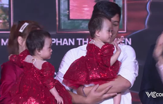 Vinh danh Top 10 nhân vật truyền cảm hứng của năm: Chị em Song Nhi lần đầu xuất hiện trước công chúng