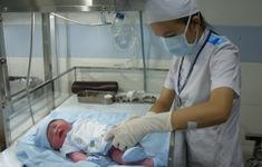 Thưởng tiền cho phụ nữ sinh đủ hai con trước 35 tuổi ở 21 tỉnh