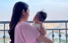 """Á hậu Thúy Vân sau khi làm mẹ: """"Rất khác"""""""