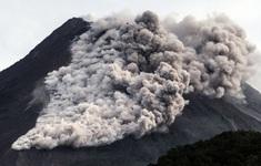 Núi lửa ở đảo Java của Indonesia hoạt động trở lại