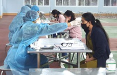 Chấn chỉnh lại việc kê khai y tế, quản lý người nhập cảnh