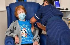 Hàng chục nghìn người Anh tham gia chiến dịch tiêm vaccine COVID-19