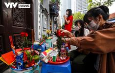 Giới trẻ Hà Nội tới chùa Hà vái vọng cầu duyên ngày 20/10