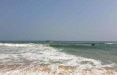 4 học sinh tắm biển, 1 em tử nạn