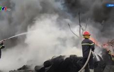 Hiểm họa cháy nổ từ những kho phế liệu giữa khu dân cư