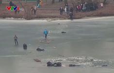 4 người mắc kẹt xuống sông băng được giải cứu