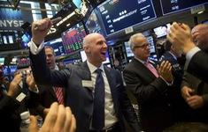 Dow Jones tăng hơn 600 điểm
