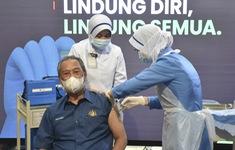 Malaysia phê chuẩn vaccine COVID-19 của AstraZeneca và Sinovac