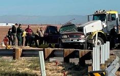 Tai nạn giao thông nghiêm trọng tại California (Mỹ), ít nhất 13 người thiệt mạng