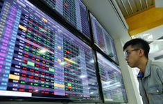 Nhà đầu tư nhỏ lo ngại bị loại khỏi thị trường chứng khoán