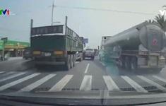 Va chạm khi chuyển làn đường đột ngột - sai lầm khó tránh của các tài xế