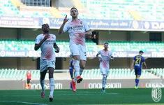 Verona 0-2 AC Milan: Chiến thắng dễ dàng, bám đuổi ngôi đầu
