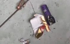 Bao thuốc lá lạ đính kèm tờ tiền bất ngờ phát nổ, một người bị thương