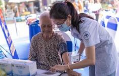 Trao tặng 210.000 ngày thuốc và 140 tấn gạo cho các hoàn cảnh kém may mắn