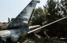 Máy bay lao xuống cánh đồng ở Pháp khiến  4 người tử vong