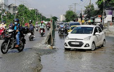 """Dự án giao thông chậm tiến độ """"trói chân"""" TP Hồ Chí Minh"""