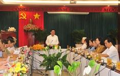 Chủ nhiệm Ủy ban Kiểm tra Trung ương Trần Cẩm Tú kiểm tra công tác bầu cử tại các địa phương