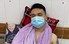 Khắc Việt gặp chấn thương nặng, phẫu thuật cổ tay