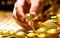 """Giá vàng châu Á """"áp sát"""" mốc 1.800 USD/ounce"""
