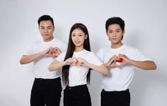MV Bài ca bầu cử - Dễ thương như Amee, tình như Hứa Kim Tuyền, cá tính như Grey D và sôi động như Quang Đăng