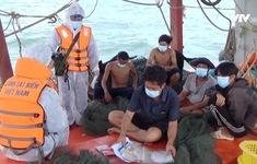 Cảnh sát biển tuyên truyền cho ngư dân chống tiếp tay người vượt biên trái phép