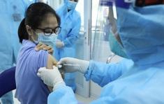 Hà Nội tiêm miễn phí vaccine COVID-19 cho người từ 18 - 65 tuổi