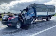 Điều tra vụ tai nạn xe con lấn làn đâm trực diện xe tải khiến 3 người thiệt mạng ở Hưng Yên