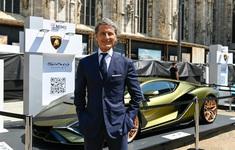 """Giới siêu giàu xuống tiền, Lamborghini """"cháy"""" siêu xe"""