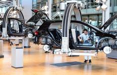 "Volkswagen ""thay máu"" để tái sinh"