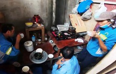 Cuộc sống cơ cực của những công nhân môi trường bị nợ lương