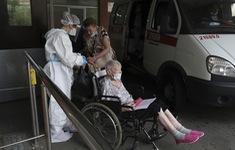 Số ca tử vong tại Campuchia tiếp tục tăng, gần 3/4 số người tiêm vaccine COVID-19 hàng ngày là ở châu Á