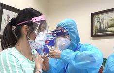 Bảy ngày thần tốc tiêm vaccine cho người dân