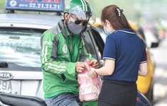 TP Hồ Chí Minh: Shipper phải đeo bảng tên, băng tay nhận diện mới được hoạt động