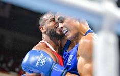Olympic Tokyo 2020 | VĐV Boxing tái hiện cú cắn tai nổi tiếng của Mike Tyson