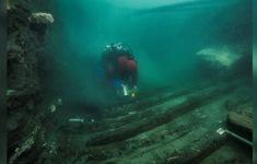 """Tìm thấy xác tàu hơn 2000 năm tuổi ở """"thành phố chìm"""" dưới đáy biển"""