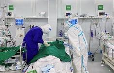 """Bác sĩ điều trị bệnh nhân COVID-19: """"Không để sinh mệnh nào trôi qua một cách dễ dàng"""""""