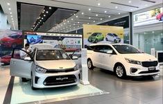 """Nhiều mẫu xe ô tô giảm giá hàng trăm triệu đồng nhưng vẫn """"ế"""""""