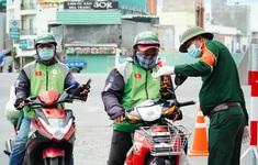 """Shipper tại TP Hồ Chí Minh """"rón rén"""" nhận đơn"""