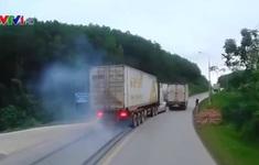 Container vượt ẩu, thoát nạn trong gang tấc