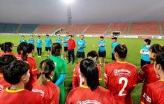 ĐT nữ Việt Nam tập buổi đầu tiên, làm quen khí hậu tại Dushanbe