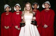 "Emmy 2021: ""The Handmaid's Tale"" - Series phim tuột giải nhiều nhất lịch sử"