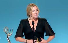 """Emmy 2021: """"Nàng Hậu"""" Anya Taylor-Joy bất ngờ tuột giải Nữ chính vào tay Kate Winslet"""